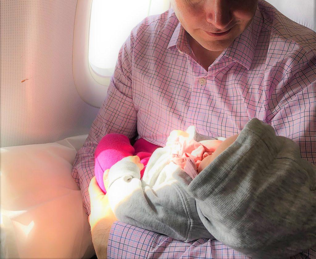 Baby im Flugzeug - Lufthansa Business Class
