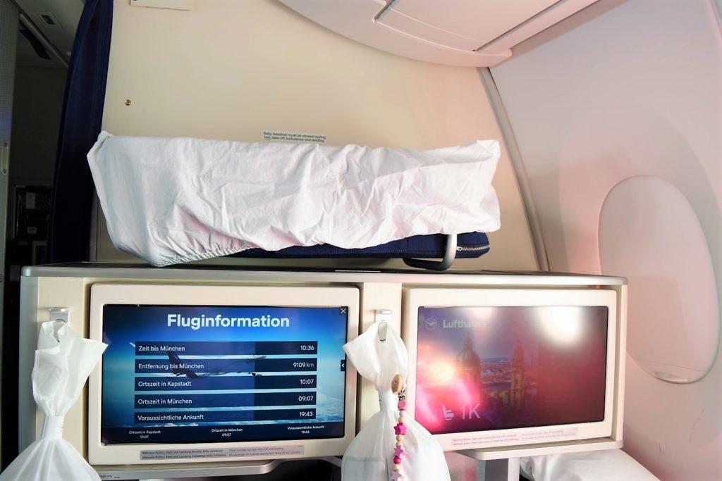 Baby Bassinet Lufthansa Airbus A350 Business Class