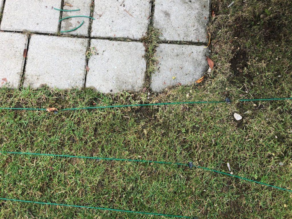 Begrenzungskabel bei schmalen Rasenbereichen