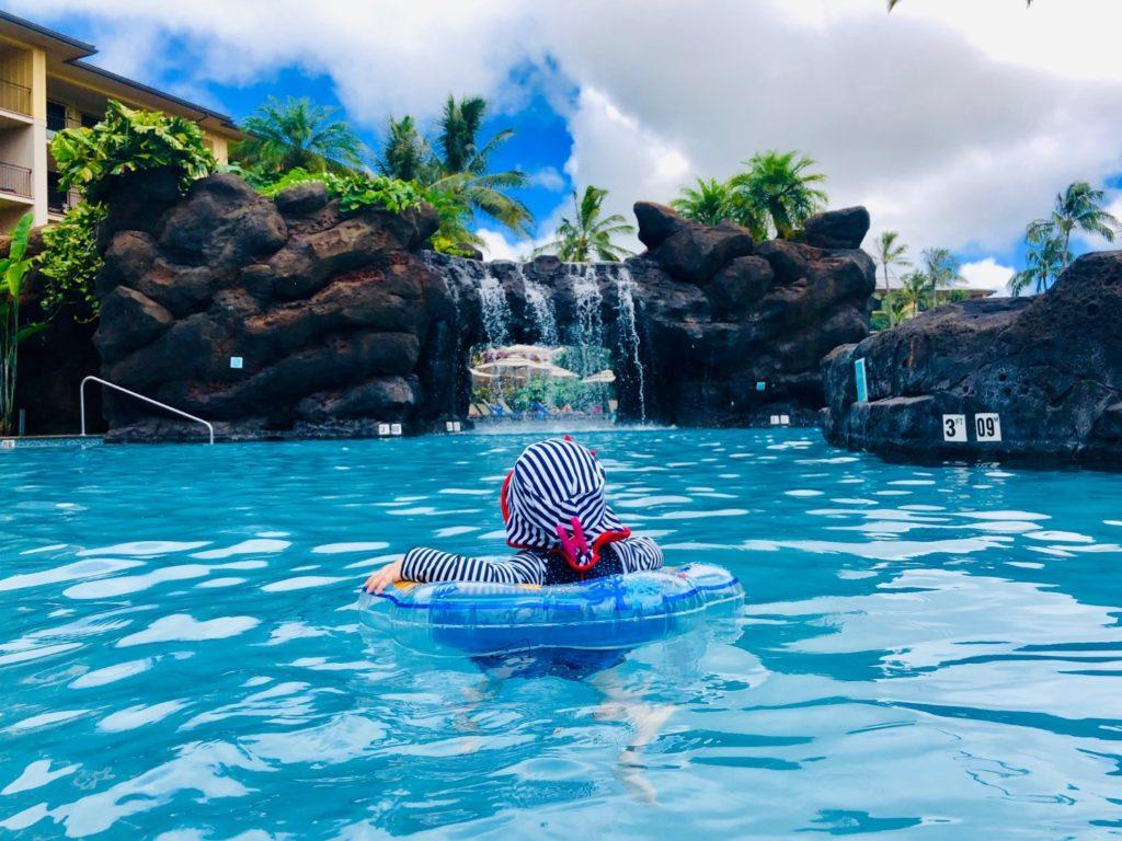 Vic im  Pool im auf Kauai, Hawaii