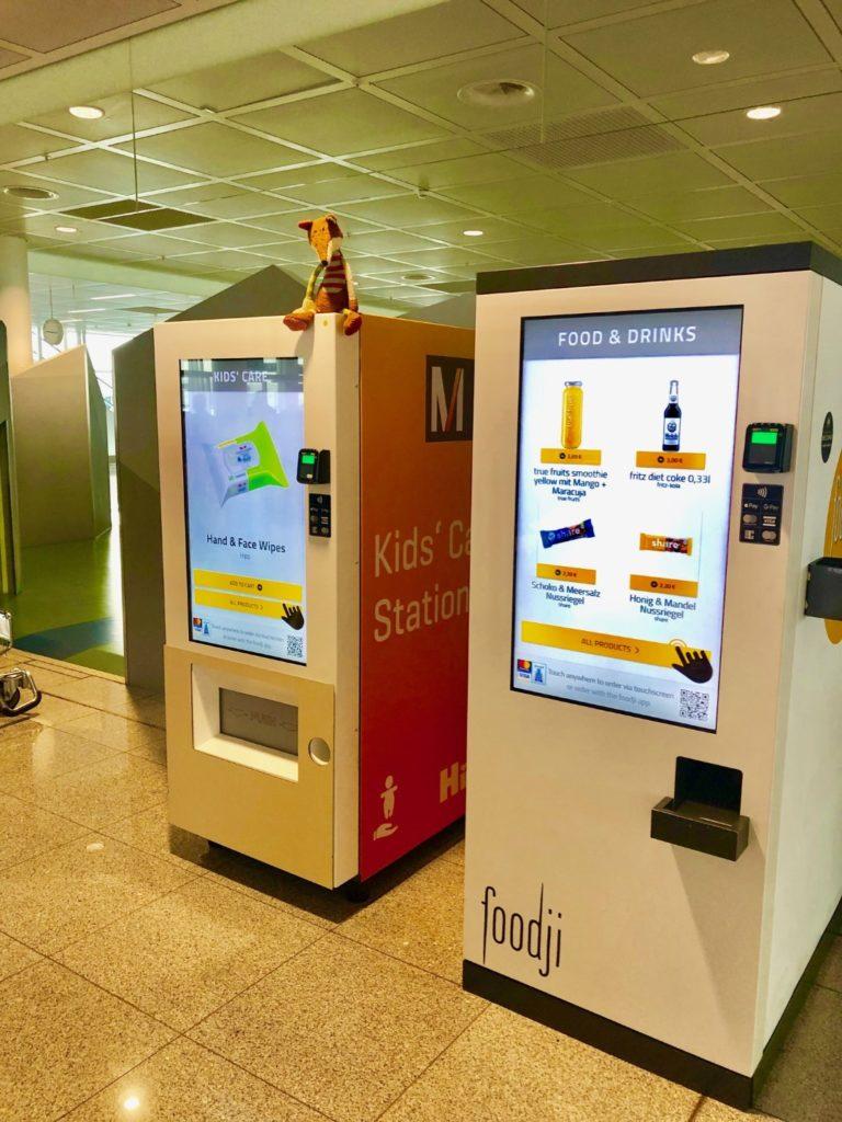 Kids Care Station mit Kinderbedarf im Terminal 2, Flughafen Münche