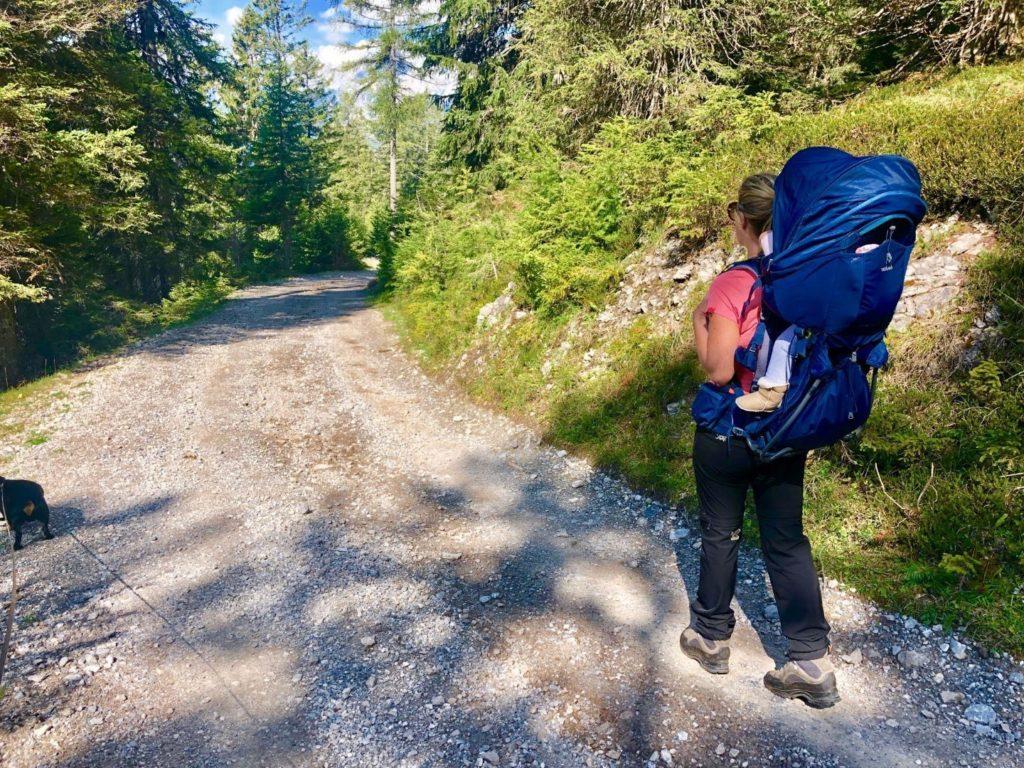 Wandern mit Bay und der perfekten Kindertrage