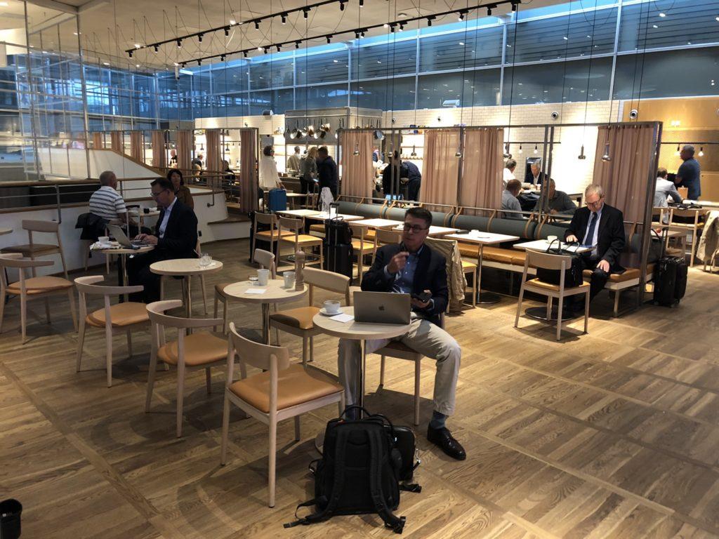 Sitzbereiche in der SAS Lounge Gold, Kopenhagen