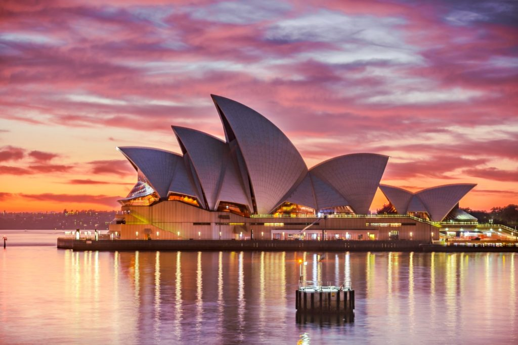 Die Opera in Sydney bei Sonnenuntergang