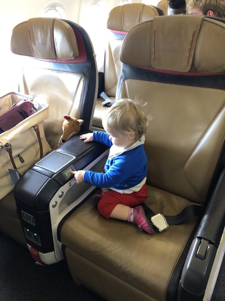 SAA South African Airlines Domestic Business Class Sitz - die Knöpfe haben meine volle Aufmerksamkeit