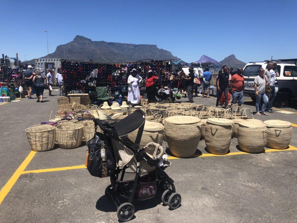 Milnerton Flea Market mit tollem Blick auf den Tafelberg und Kapstadt