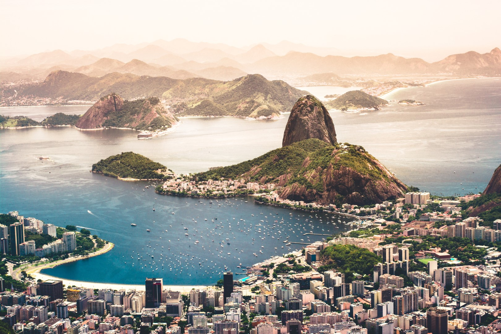 Flug-Deal: Rio de Janeiro mit Kind und Gepäck für 373 € ab Paris (Business Class 1419 €)