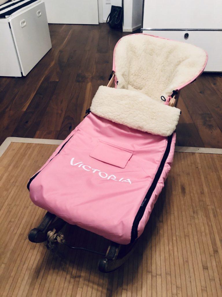 Zuhause aufgebaut Baby-Joy Fußsack im Colint Davos Schlitten..