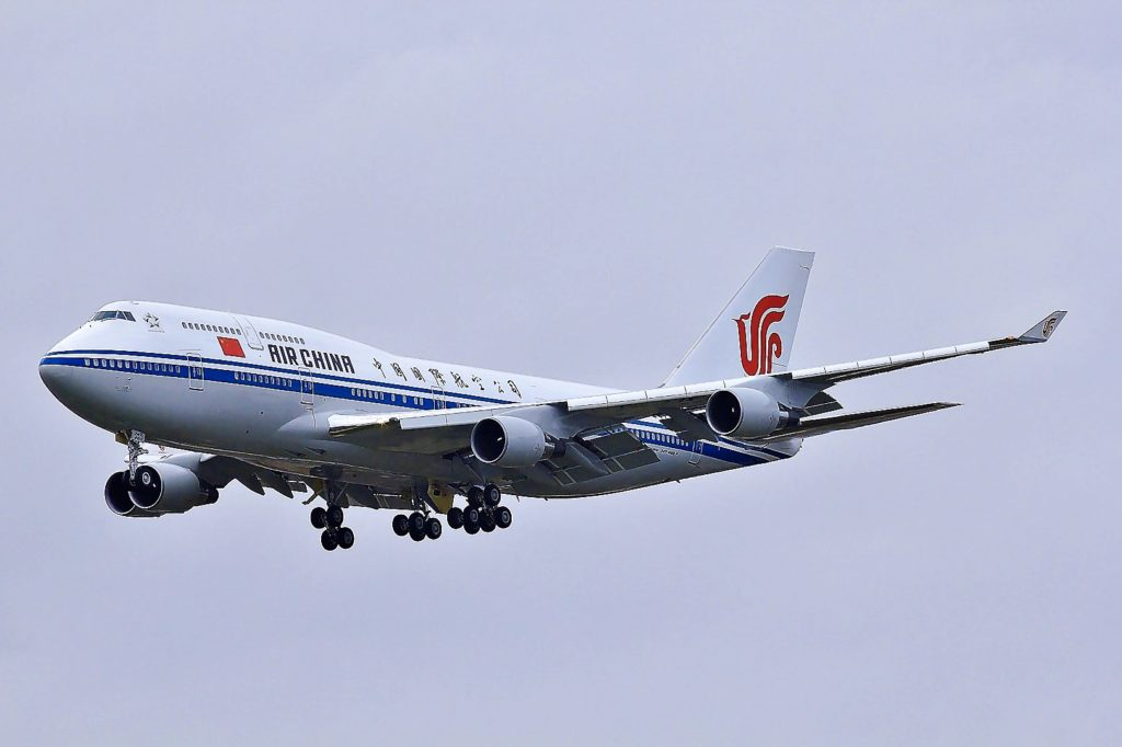 Air China Boeing 747-800 im Landeanflug