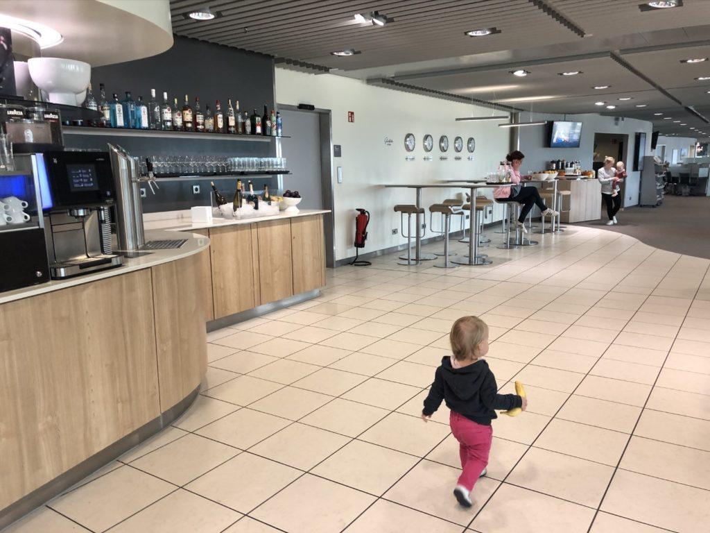 Getränke in der Business Lounge am Flughafen Düsseldorf