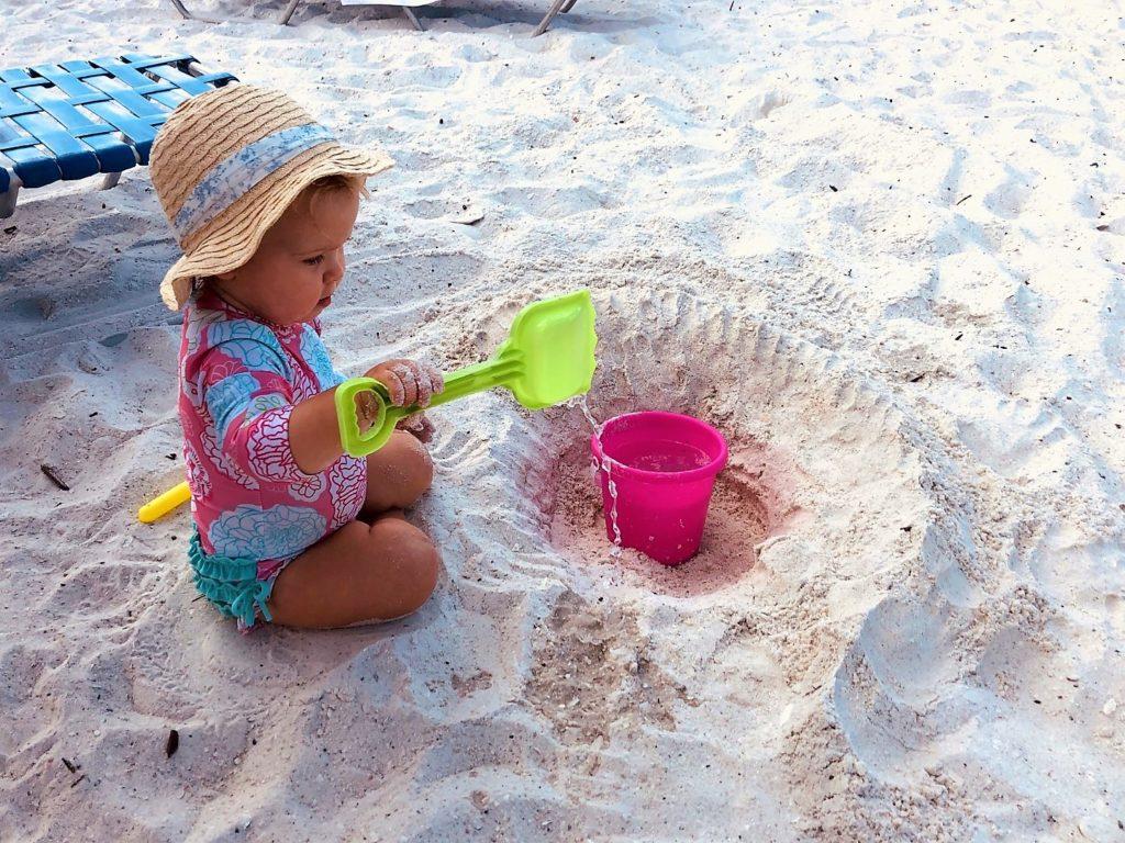 Spielen am Strand von Marco Island, Florida