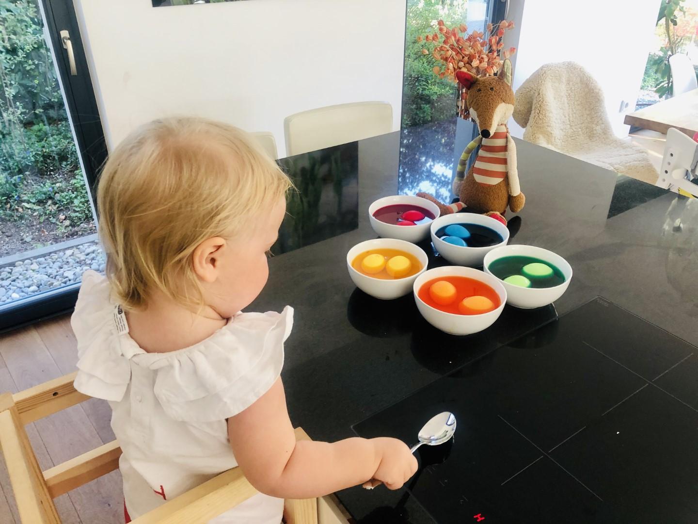 Ostereier färben mit Baby leicht gemacht!