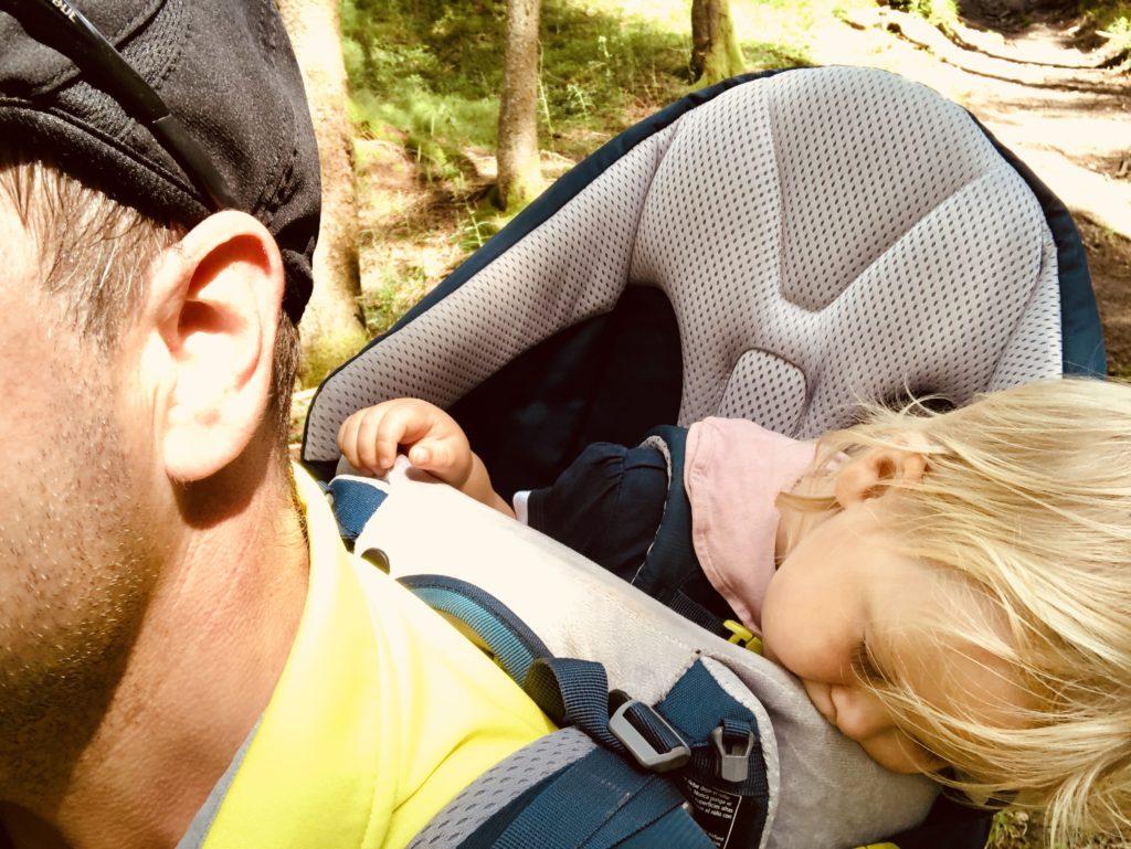 Auf zur Lengrieser Hütte im gemütlichen Schlafexpress, dem Deuter Kid Comfort Pro