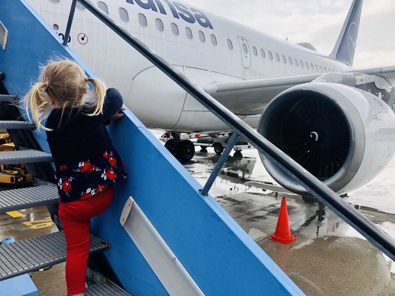 Mein erster Flug mit eigenem Sitz: Mit Lufthansa von München nach Bukarest in der Economy Class